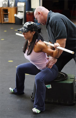 Dave Tate Coaching The Box Squat (from doubleyourgains.com)
